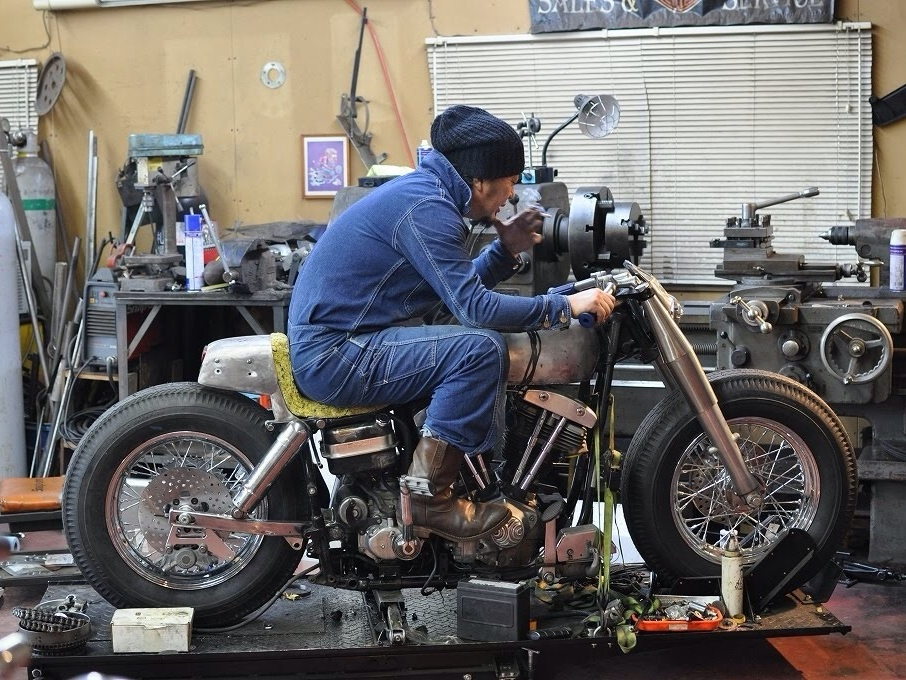 Choppers Bobbers Cafe Racers